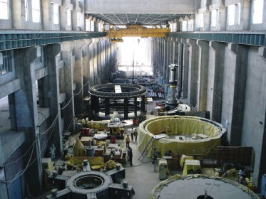 Turbine generator installation at SMHPCL, March 2011